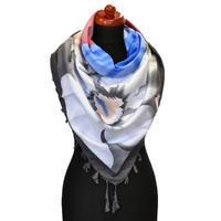 Maxi šátek - šedobílý se vzorem