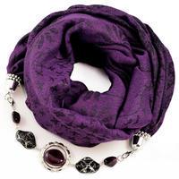 Teplá šála s bižuterií - fialová