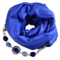 Warm scarf with necklace - white with blue print