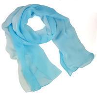 Šála vzdušná - modrobílé ombre