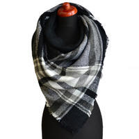 Blanket square scarf - black and white