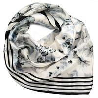 Šátek saténový - bíločerný s květy