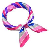 Šátek s bižuterií Letuška - růžovomodrý pruhovaný