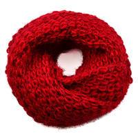 Tunelová pletená šála 69tz001-22d - tmavě červená