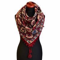 Velký šátek 69pl006-22.02 - červený s geometrickým vzorem