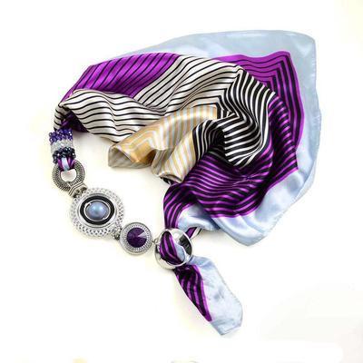 Šátek s bižuterií Modern II - fialový proužkovaný