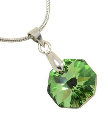 Rivoli Emerald pendant made with SWAROVSKI ELEMENTS