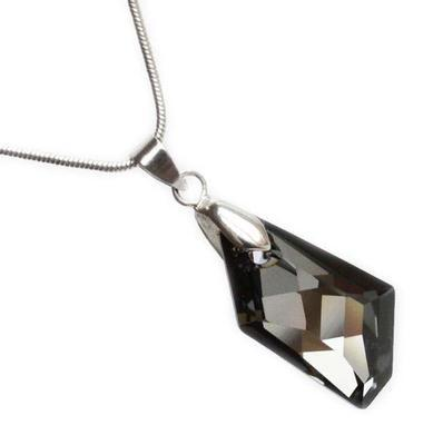 De-Art Hematite pendant made with SWAROVSKI ELEMENTS