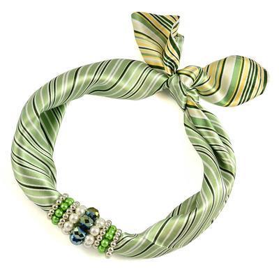 Šátek s bižuterií Letuška 299let003-51a - zelený pruhovaný - 1