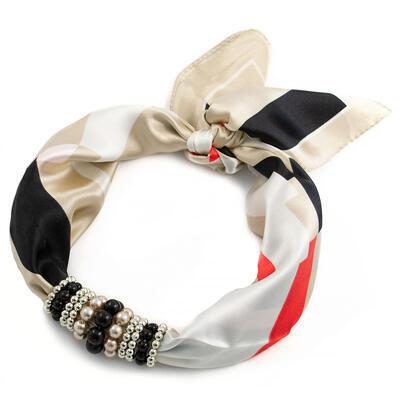 Šátek s bižuterií Letuška - béžovo-černý s potiskem - 1