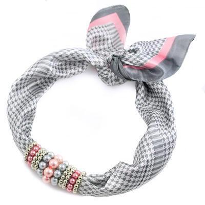 Šátek s bižuterií Letuška - šedo-růžový - 1