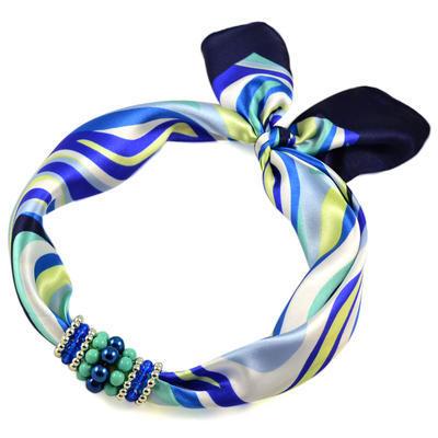 Šátek s bižuterií Letuška - modrobílý - 1