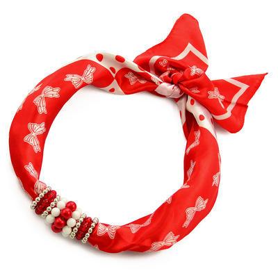 Šátek s bižuterií Letuška - červený s potiskem - 1