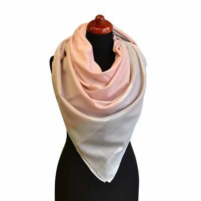 Velký šátek - růžová lesklá kostka - 1