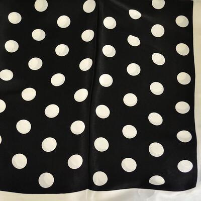 Velký šátek - černobílý s puntíky - 2