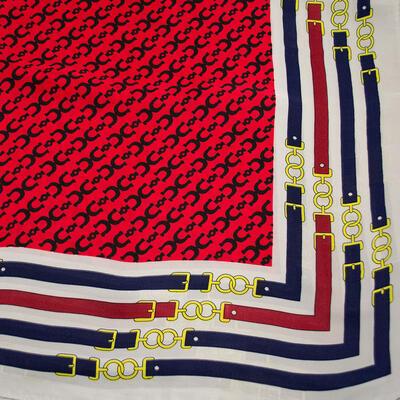 Šátek - červeno-bílý s potiskem - 2