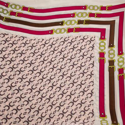 Šátek - růžovo-bílý s potiskem - 2
