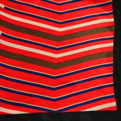 Šátek saténový - červenočerný s pruhy - 2