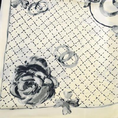 Šátek saténový - černobílý - 2