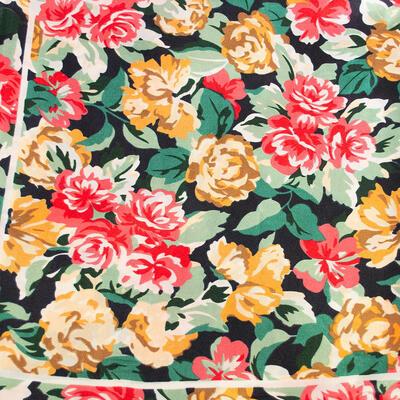 Šátek saténový - červeno-zelený s potiskem - 2
