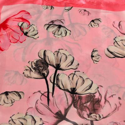 Šátek saténový 63sk004-23.27 - růžový s máky - 2