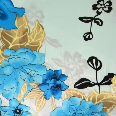 Šátek saténový - modrý s květinovým vzorem - 2