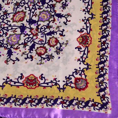 Šátek saténový 63sk004-35.01 - fialovobílý s potiskem - 2