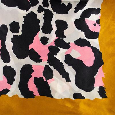 Šátek saténový - zlato-béžový, zvířecí potisk - 2