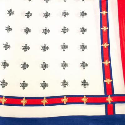Šátek saténový - bílo-červený s potiskem - 2
