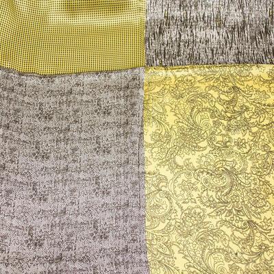 Šátek saténový - žluto-hnědý s potiskem - 2