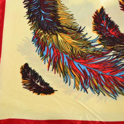 Šátek saténový - béžovočervený s potiskem - 2