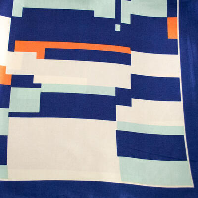 Šátek saténový - modro-béžový s potiskem - 2