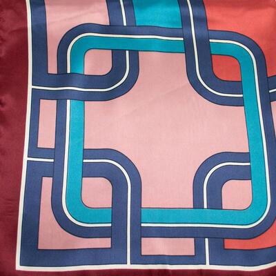 Šátek saténový - hnědo-růžový s potiskem - 2