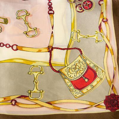 Šátek saténový - hnědý s potiskem - 2