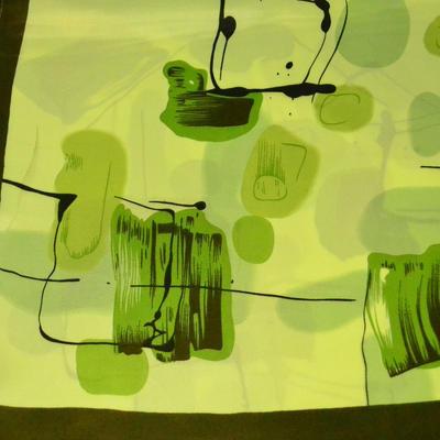 Šátek saténový - zelený s potiskem - 2