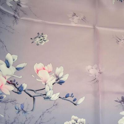 Šátek hebký - šedý s květy - 2