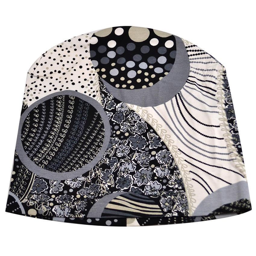 Čepice beanie - černobílá s potiskem
