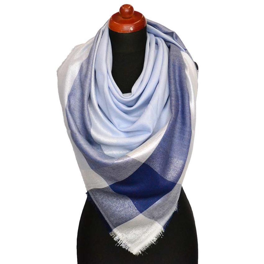 5a6f207f326 Velký šátek - modrá lesklá kostka