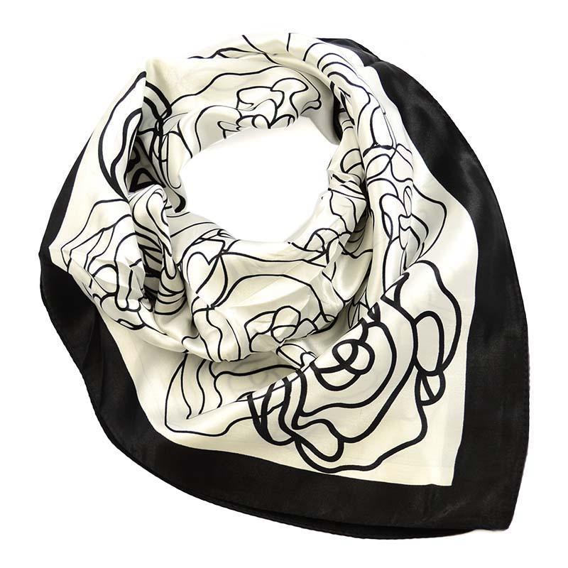 Šátek saténový 63sk004-03 - černobílý s květy